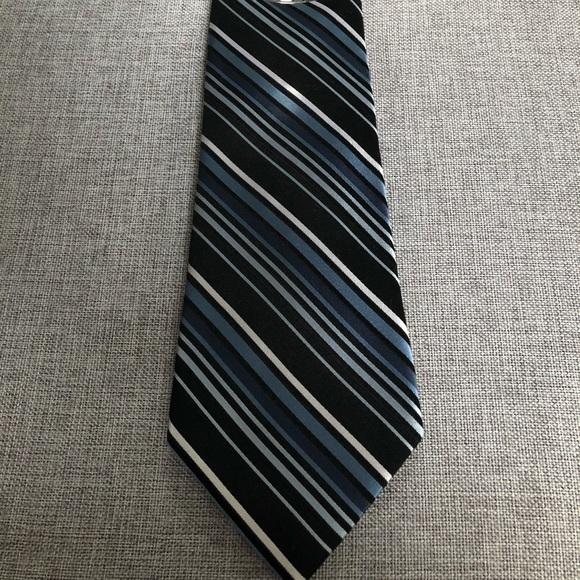 croft & barrow Other - Croft & Barrow Black and Navy Men's Tie